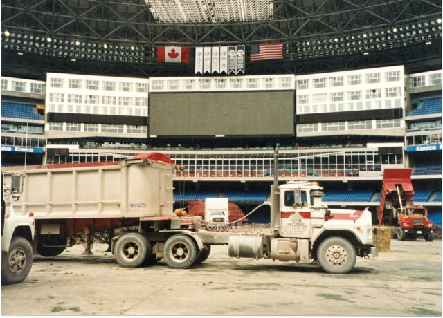 VicDom Truck at SkyDome